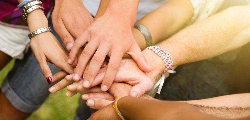 The hands bonding together