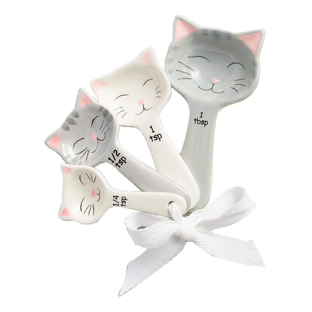 Cat-shaped measuring spoons.