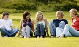 How Involved Should You Be in Your Teenagers Friendships?