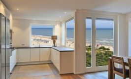 How to Make the Right Countertop Choice for Your Beachfront Property